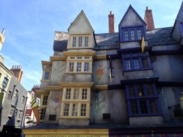 Inside Diagon Alley, Near Fortescue's Ice Cream