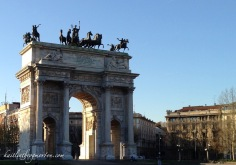 At the end of the park stands the Arco delle Pace (Arch of Peace).It is one of many gates into the city, and marked the start of a road that led from Milan to Paris, which it still does today.