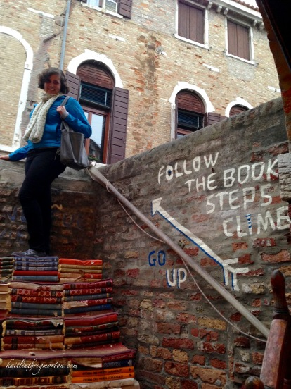 venice-libreria-acqua-alta-book-stairs